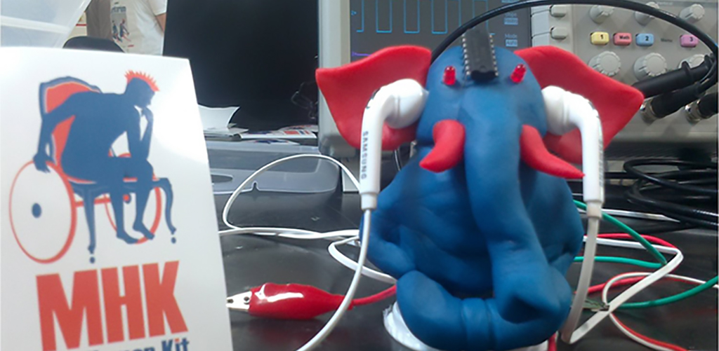 mascotte-ganesh-prothese-auditive-open-source-au-fabrikarium